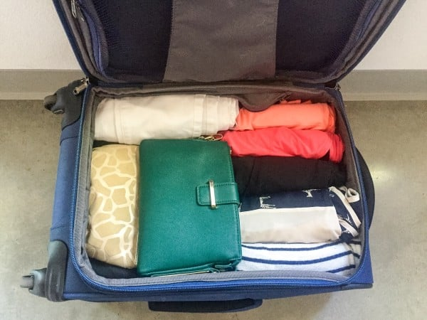 How to pack suitcase light